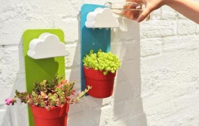 penyiraman tanaman dalam rumah